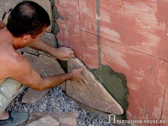 отделка природным камнем в квартире фото
