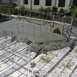 Монтаж и бетонирование элементов перекрытия несъемной опалубки