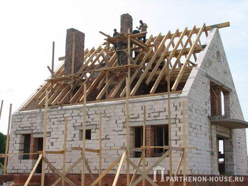 Дома из газобетона возведение крыши