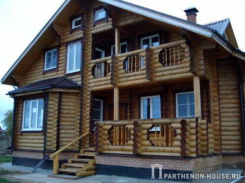 бревенчатый дом из оцилиндрованного бревна
